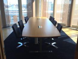 pwc konferenspaket stort med mörkgrå stolar